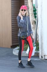 NATALIA DYER Shopping at Bristol Farms in Beverly Hills 12/07/2017