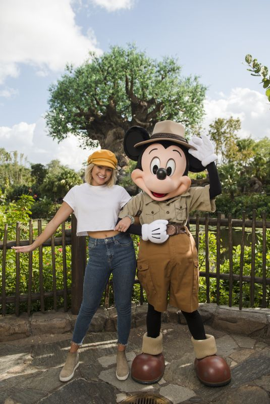 OLIVIA HOLT at Walt Disney World in Lake Buena Vista 12/21/2017