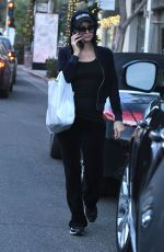 Paris Hilton Out for Lunch at Il Tramezzino in Beverly Hills 12/11/2017