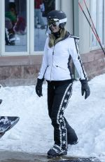 PARIS HILTON Out Skiing in Aspen 12/28/2017
