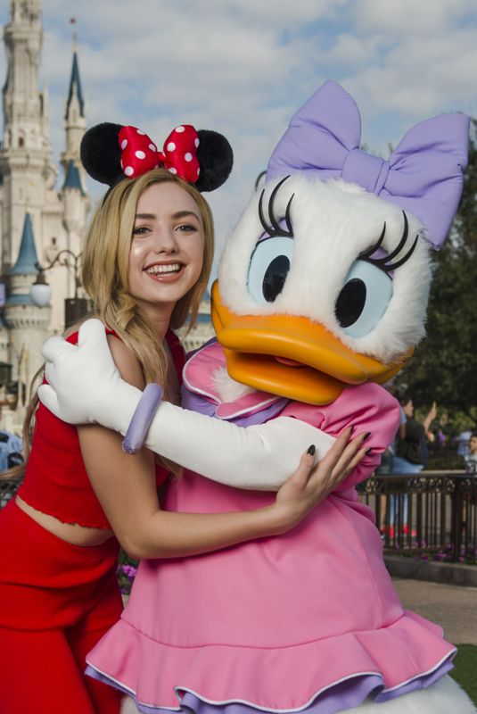 PEYTON ROI LIST at Magic Kingdom at Walt Disney Resort in Bay Lake 12/20/2017