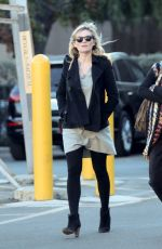 Pregnant KIRSTEN DUNST Out Shopping in Los Angeles 12/21/2017
