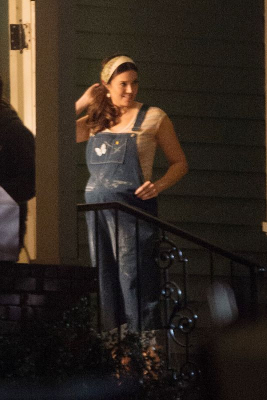 Pregnant MANDY MOORE on the Set of This is Us in Los Angeles 12/11/2017
