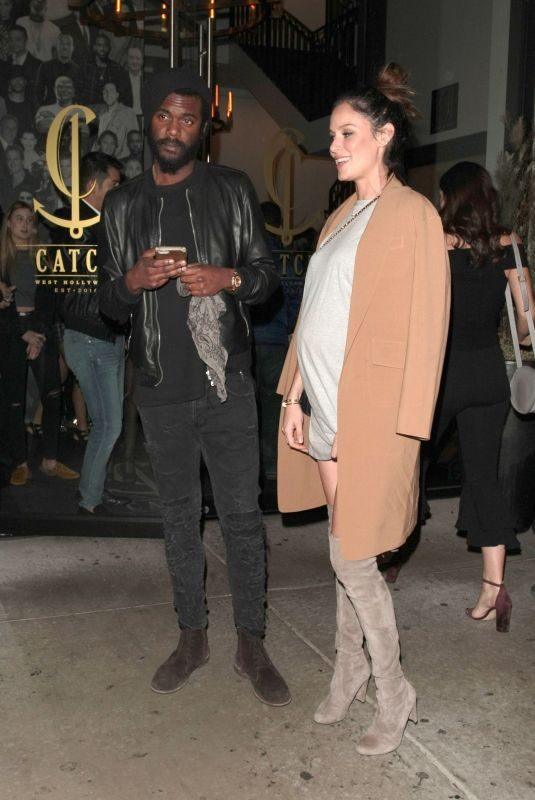 Pregnant NICOLE TUNFIO and Gary Clark Jr Out for Dinner in Los Angeles 12/29/2017