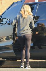REESE WITHERSPOON Out and About in Los Angeles 12/07/2017
