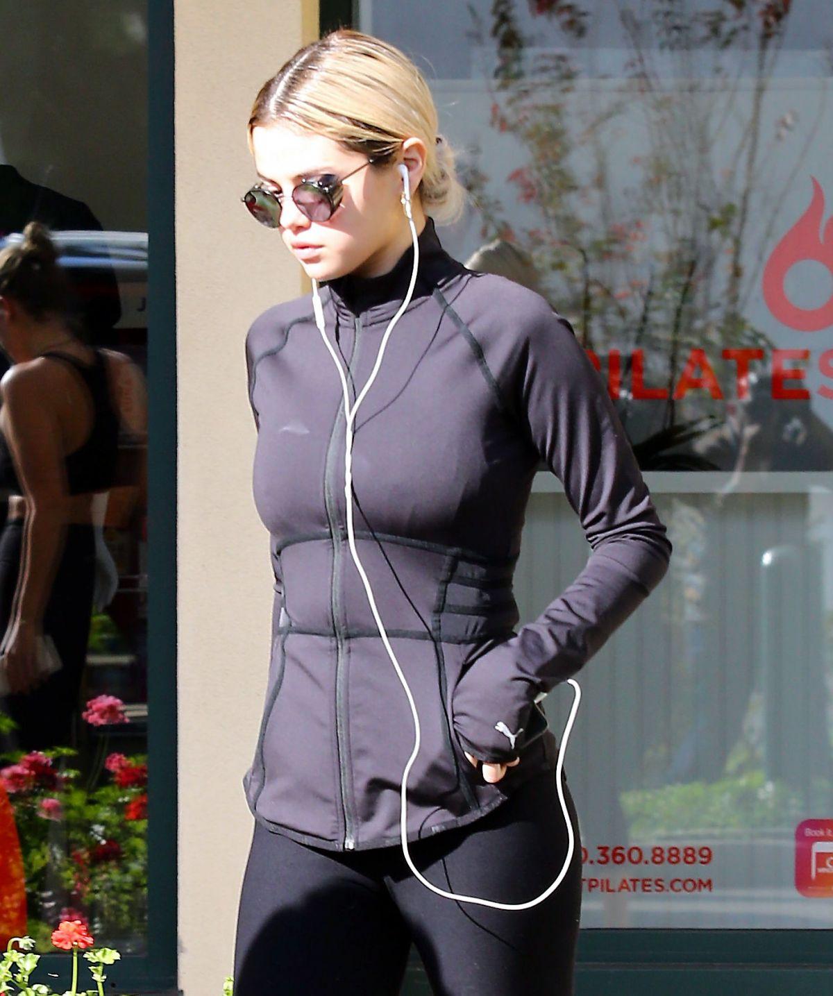 Selena Gomez Leaves Pilates Class In Los Angeles 12192017 Hawtcelebs