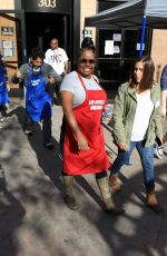 SHAR JACKSON at LA Mission Serves Christmas to the Homeless in Los Angeles 12/22/2017