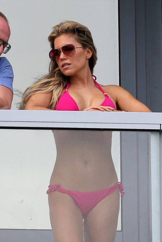 Sylvie Meis in Black Bikini on balcony in Miami Pic 10 of 35