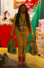 TARAJI P. HENSON Shopping at Whole Foods in Canyon Country 11/22/2017