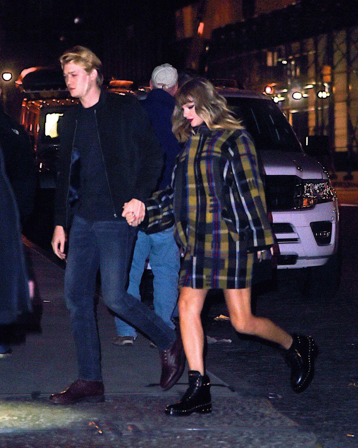 TAYLOR SWIFT and Joe A... Emma Stone Boyfriend