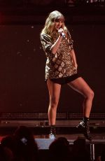 TAYLOR SWIFT Performs at Kiis FM's Jingle Ball in Los Angeles 12/01/2017