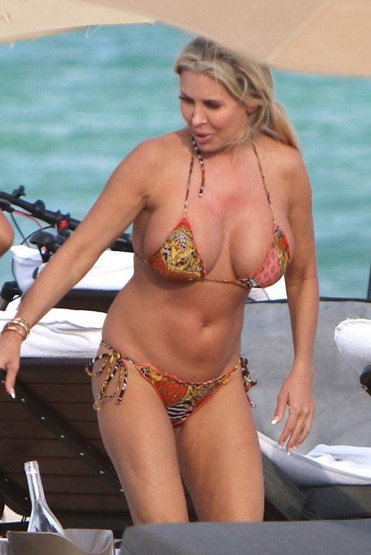 TIFFANY in Bikini at a Beach in Miami 12/0/2017