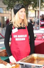 TORRIE WILSON at LA Mission Serves Christmas to the Homeless in Los Angeles 12/22/2017