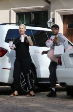 AMBER ROSE Leaves a Plastic Surgery Clinic in Beverly Hills 01/29/2018