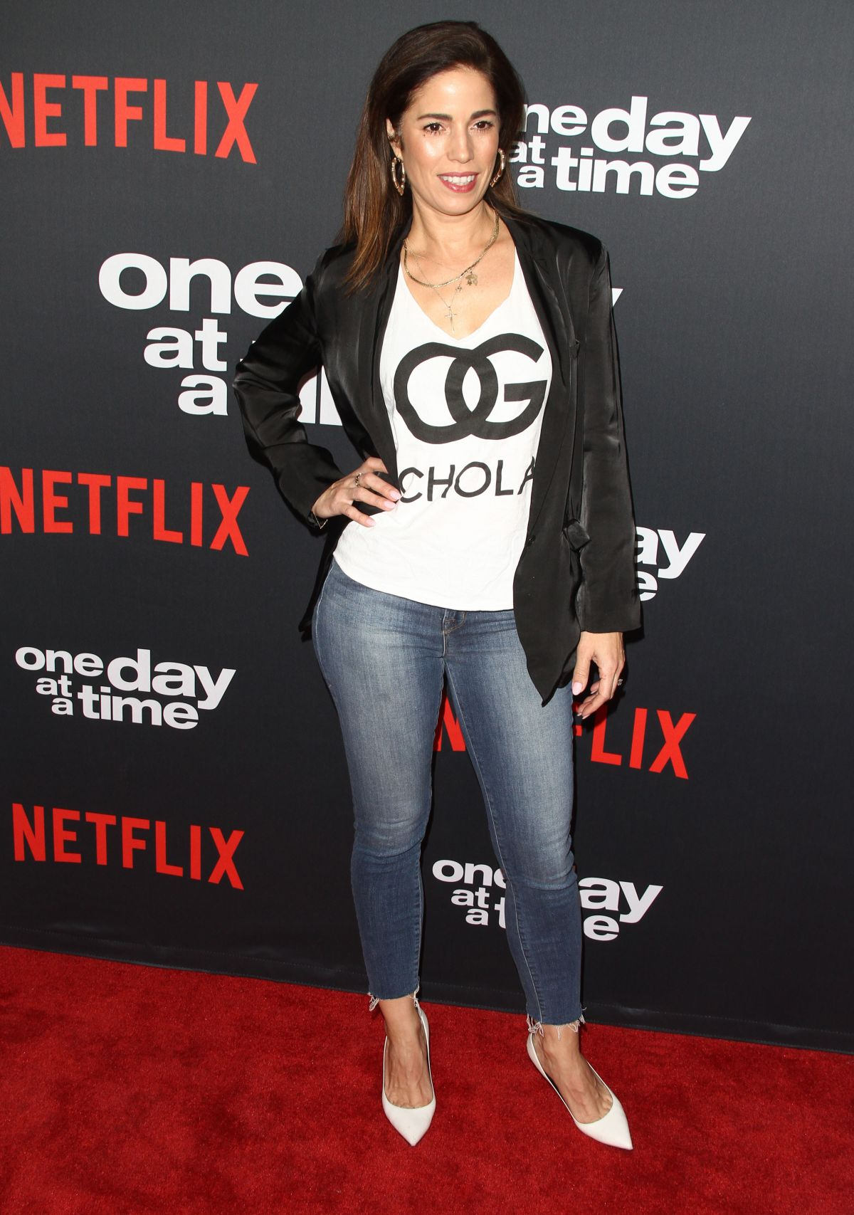 Ana Ortiz Pictures ana ortiz at one day at a time season 2 premiere in los