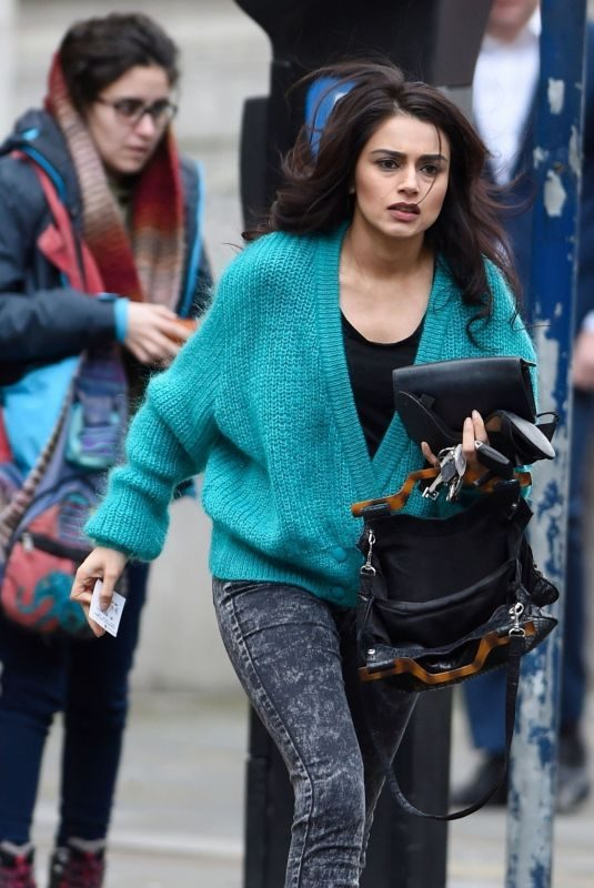 BHAVNA LIMBACHIA Out and About in Manchester 01/19/2018