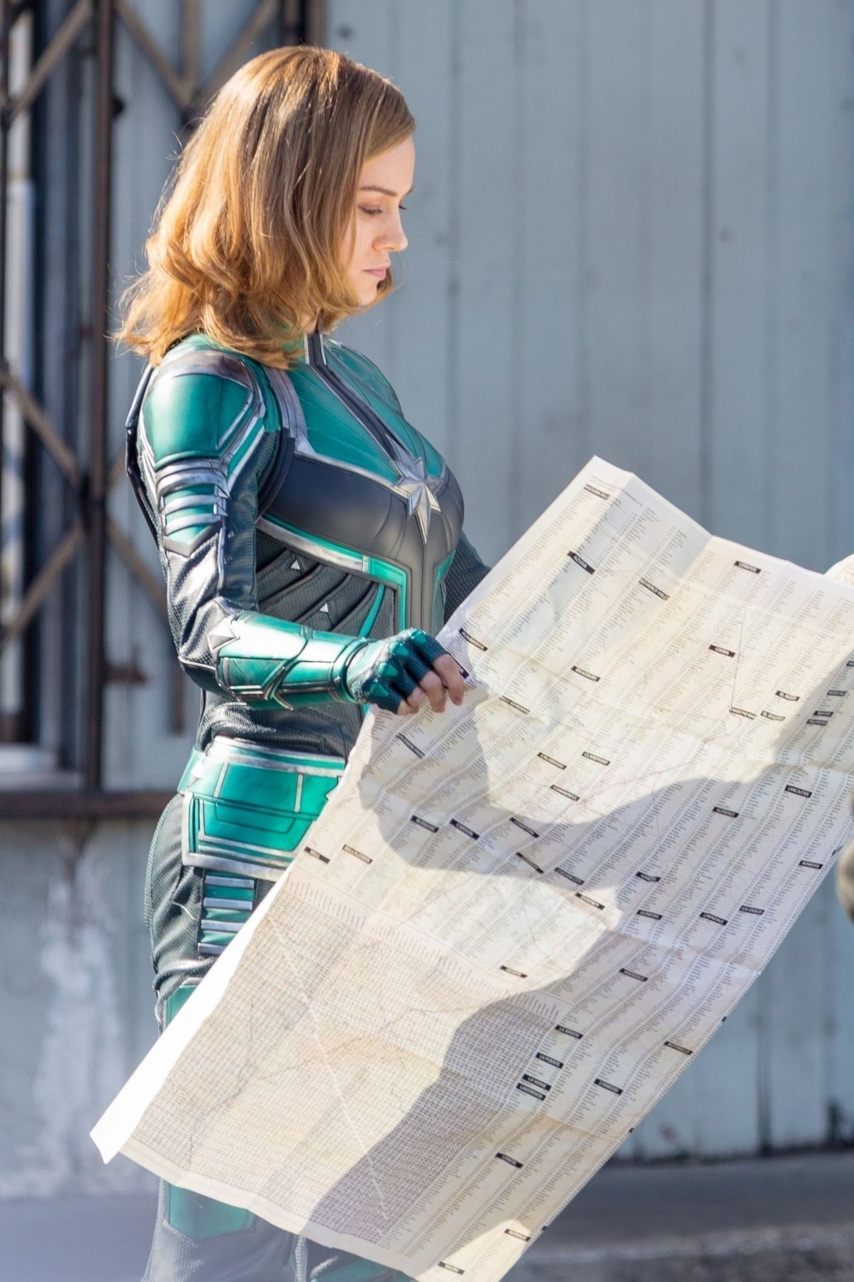 brie-larson-on-the-set-of-captain-marvel