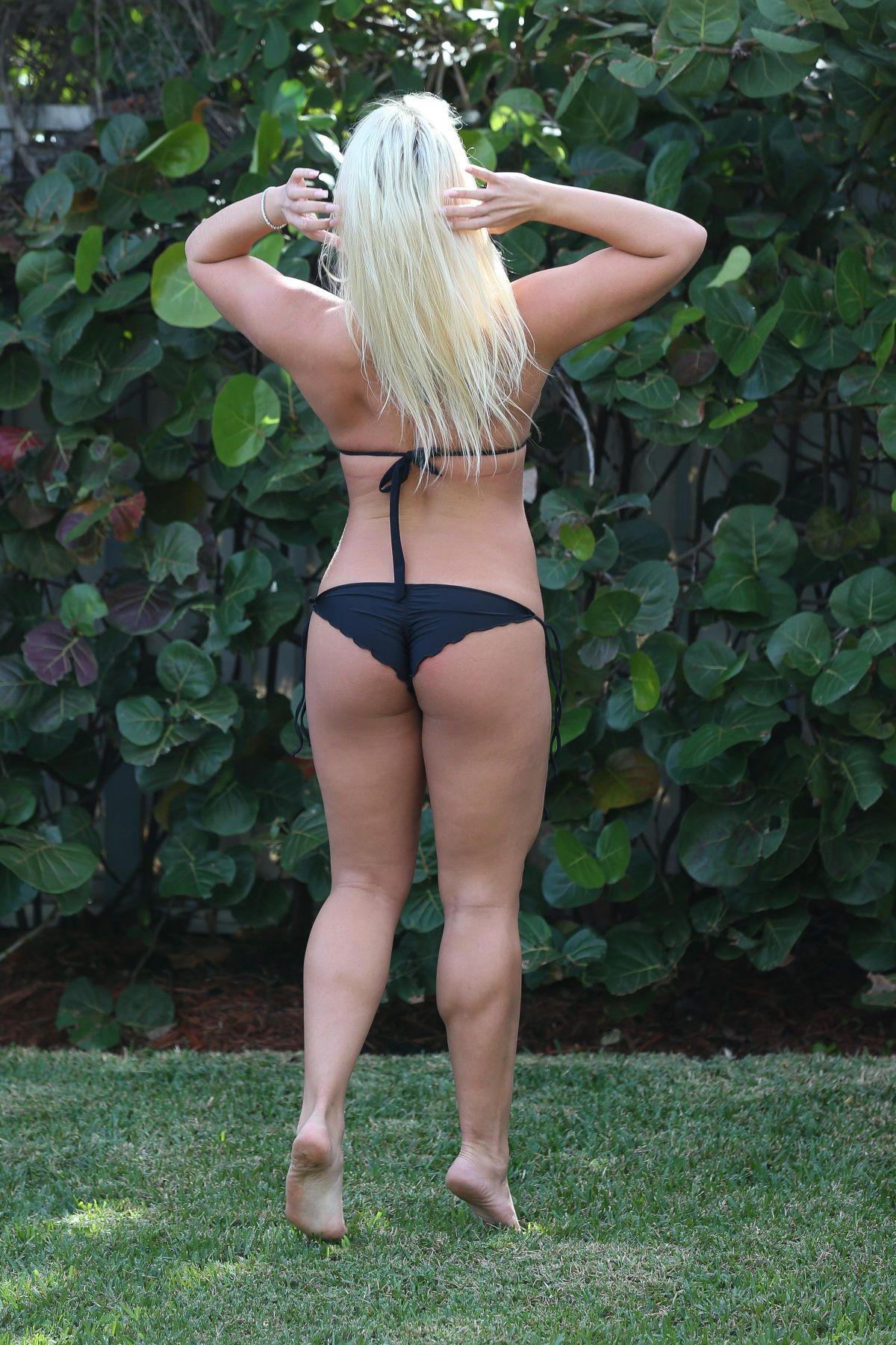 Brooke Hogan Bikini 51