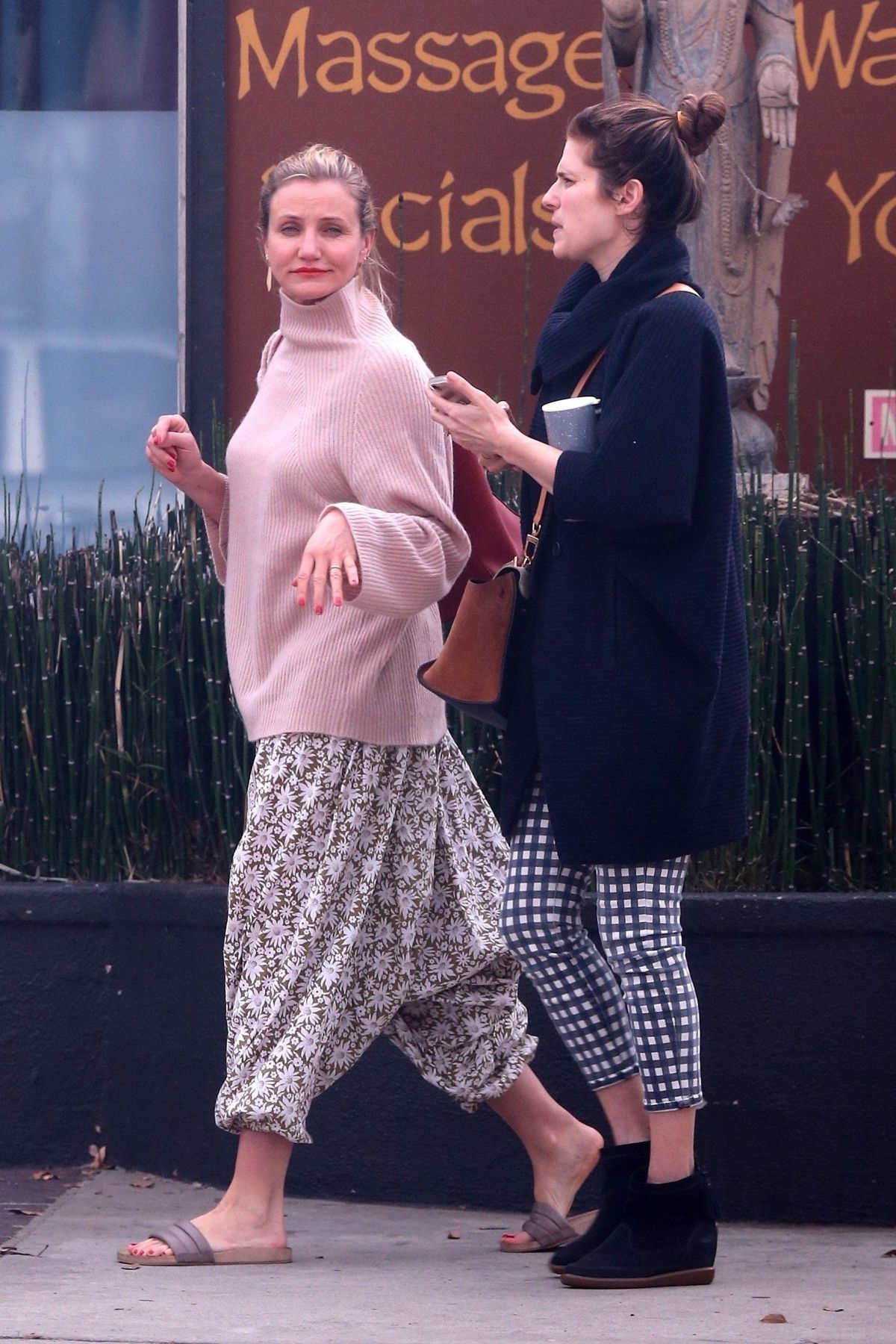 CAMERON DIAZ and LAKE BELL Out Shopping in Los Angeles 01 ...Cameron Diaz Pregnant 2018