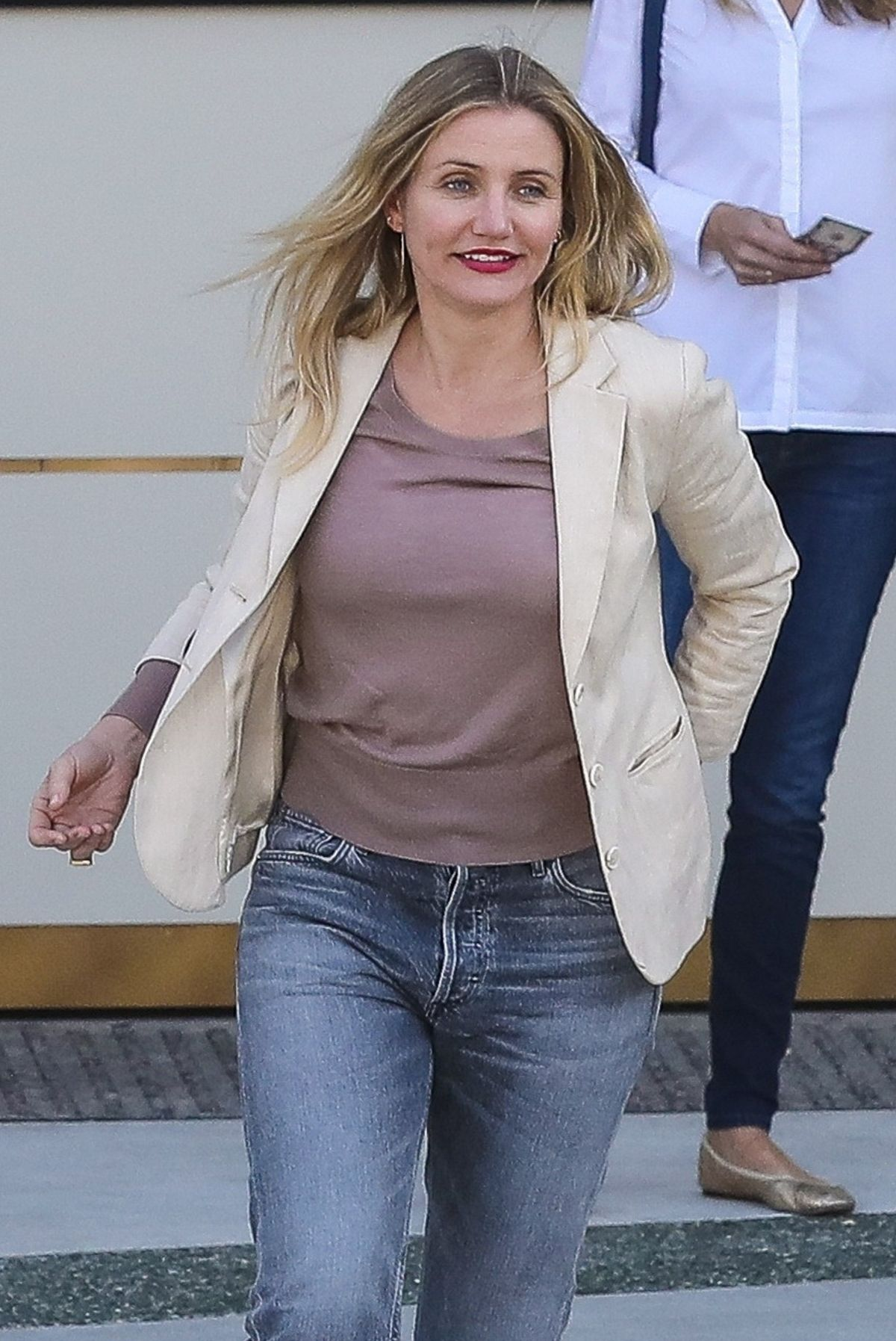 CAMERON DIAZ Out for Lunch at Waldorf Astoria Hotel in ... Cameron Diaz