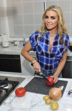 CARMEN ELECTRA Trying Out a Few Recipes for Her Super Bowl Party in Beverly Hills 01/24/2018