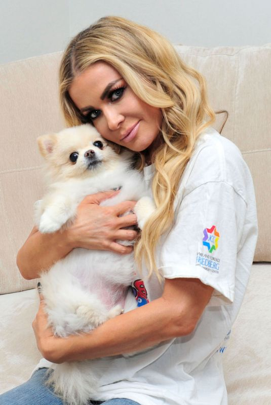 CARMEN ELECTRA with Her Dog on the Set of a Photoshoot 01/29/2018