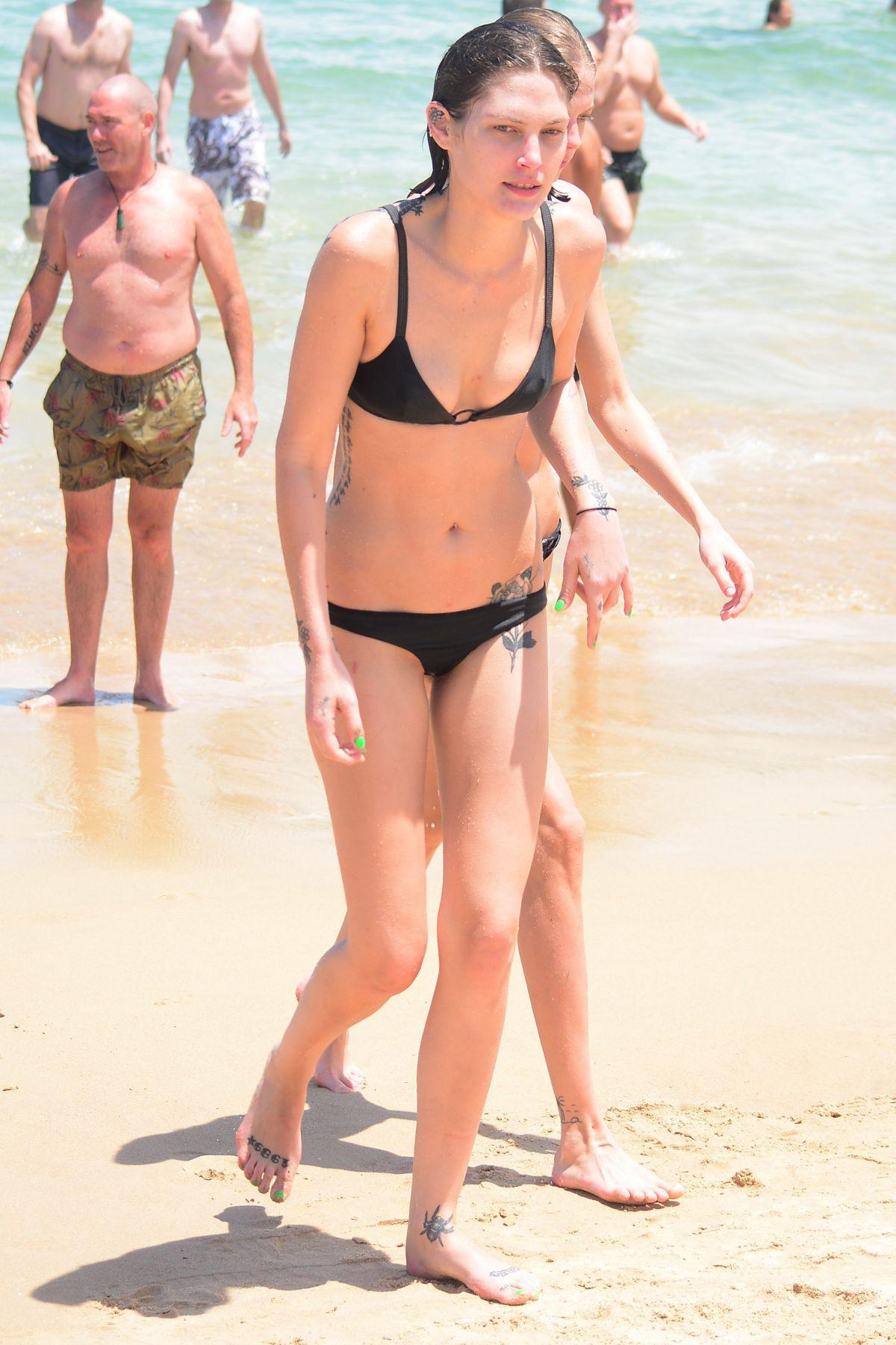 Bikini Catherine McNeil nudes (86 photo), Ass, Cleavage, Instagram, bra 2018