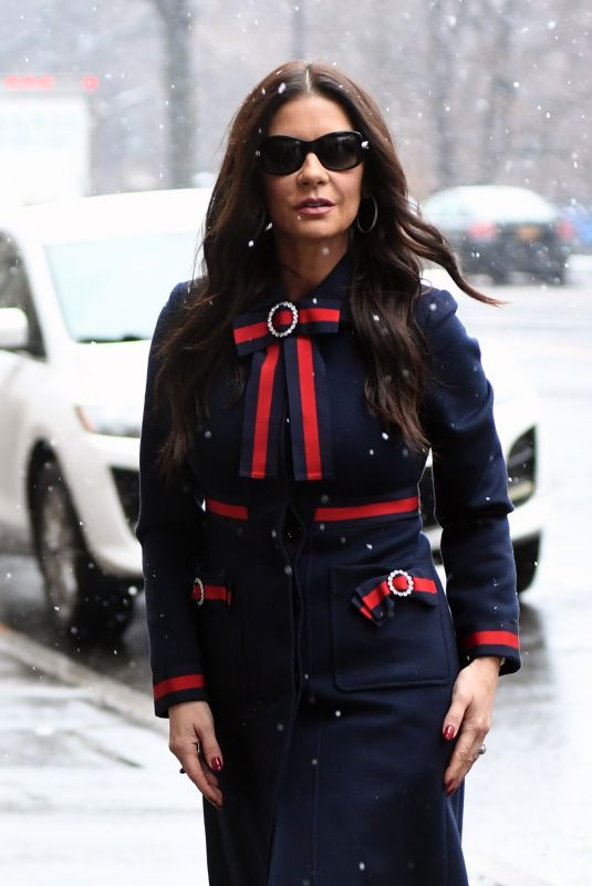 CATHERINE ZETA JONES Arrives at Her Home in New York 01/17/218
