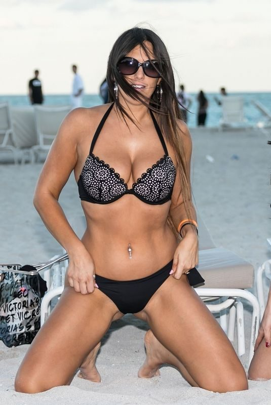CLAUDIA ROMANI and BELLA BOND in Biknis at a Beach in Miami 01/14/2018