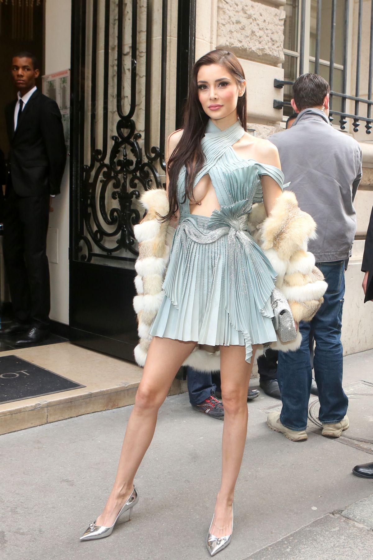 DEBORAH HUNG at Elie Saab 2018 Haute Couture Spring/Summer Show in ...