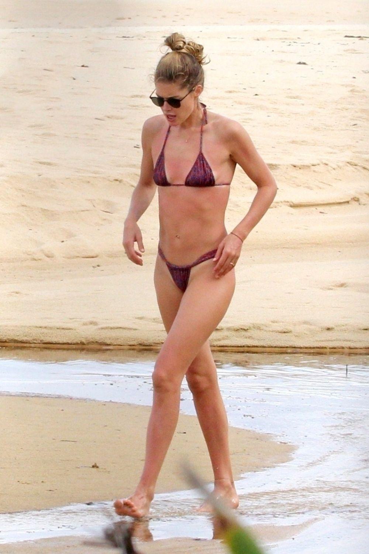 Candice Swanepoel and Doutzen Kroes in Bikini at Espelho Beach in Bahia Pic 3 of 35