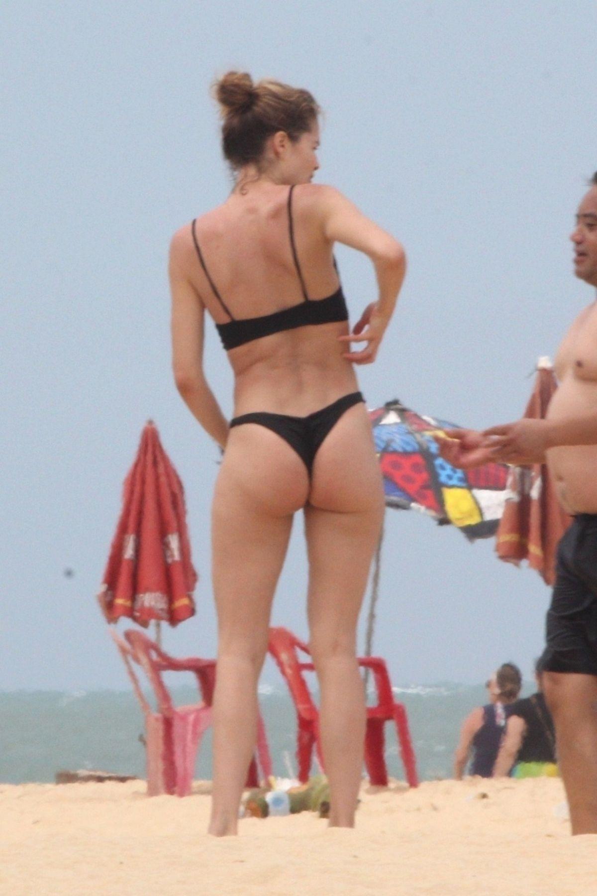 Doutzen Kroes in Bikini on the beach in Bahia Pic 5 of 35