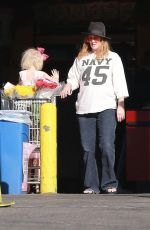 DREW BARRYMORE Shopping at Whole Foods in West Hollywood 12/29/2017