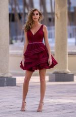 ELIZABETH TURNER on the Set of a Photoshoot for Ellie Wilde in Miami Beach 01/19/2018