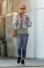 ELIZABETH TURNER Out and About in Santa Monica 01/16/2018