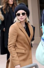 EMMA ROBERTS at Salt Lake City International Airport 01/18/2018