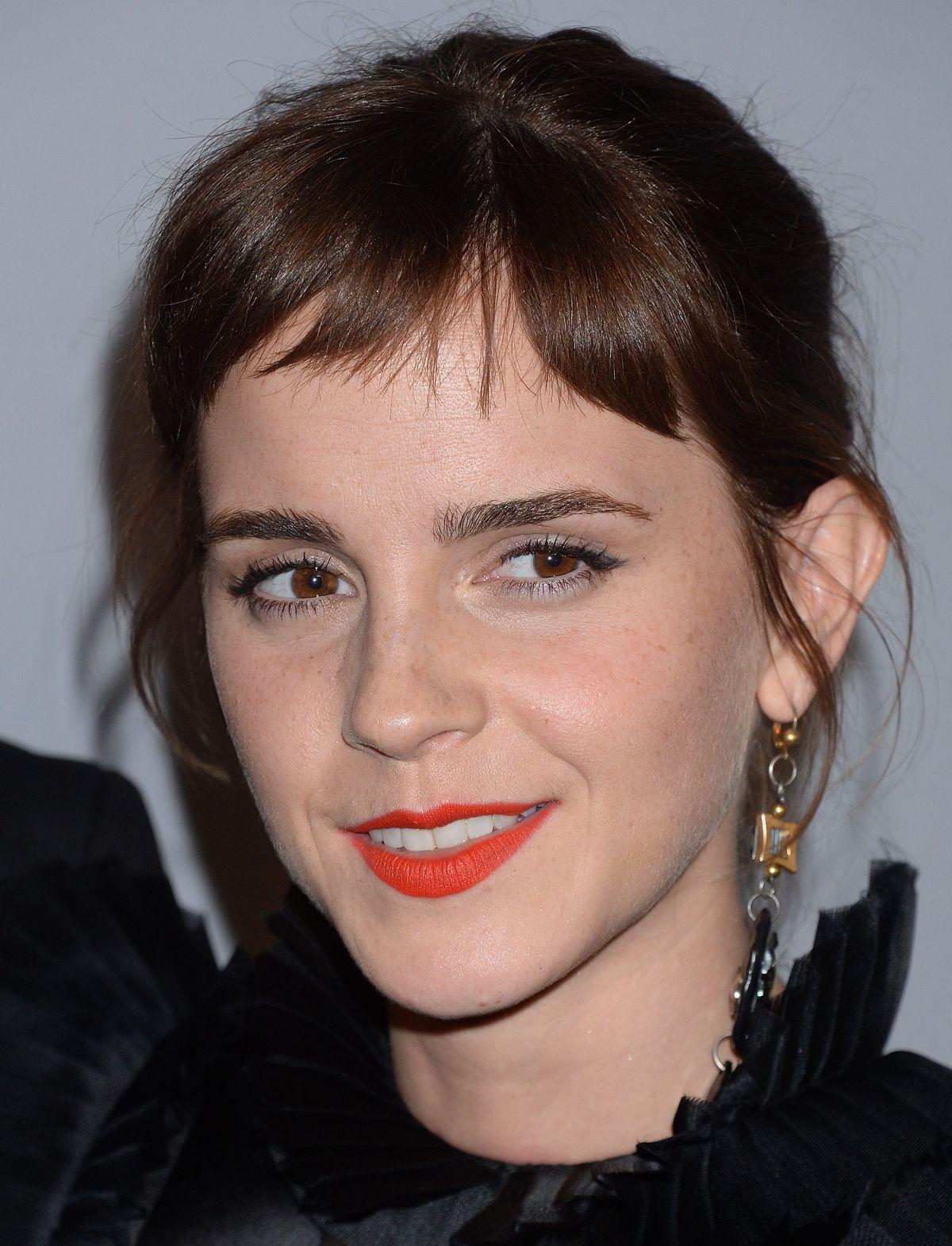 Emma Watson - HawtCelebs