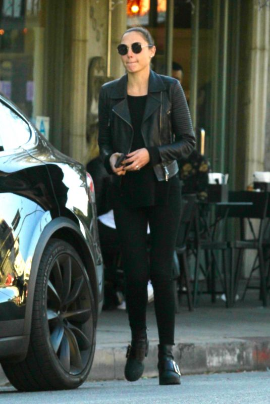 GAL GADOT Out for Lunch in Los Angeles 01/27/2018