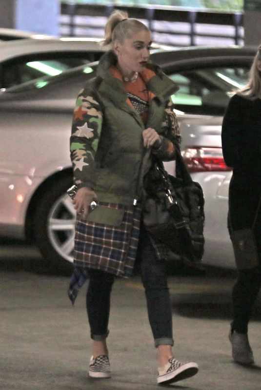 GWEN STEFANI Out in Beverly Hills 01/24/2018