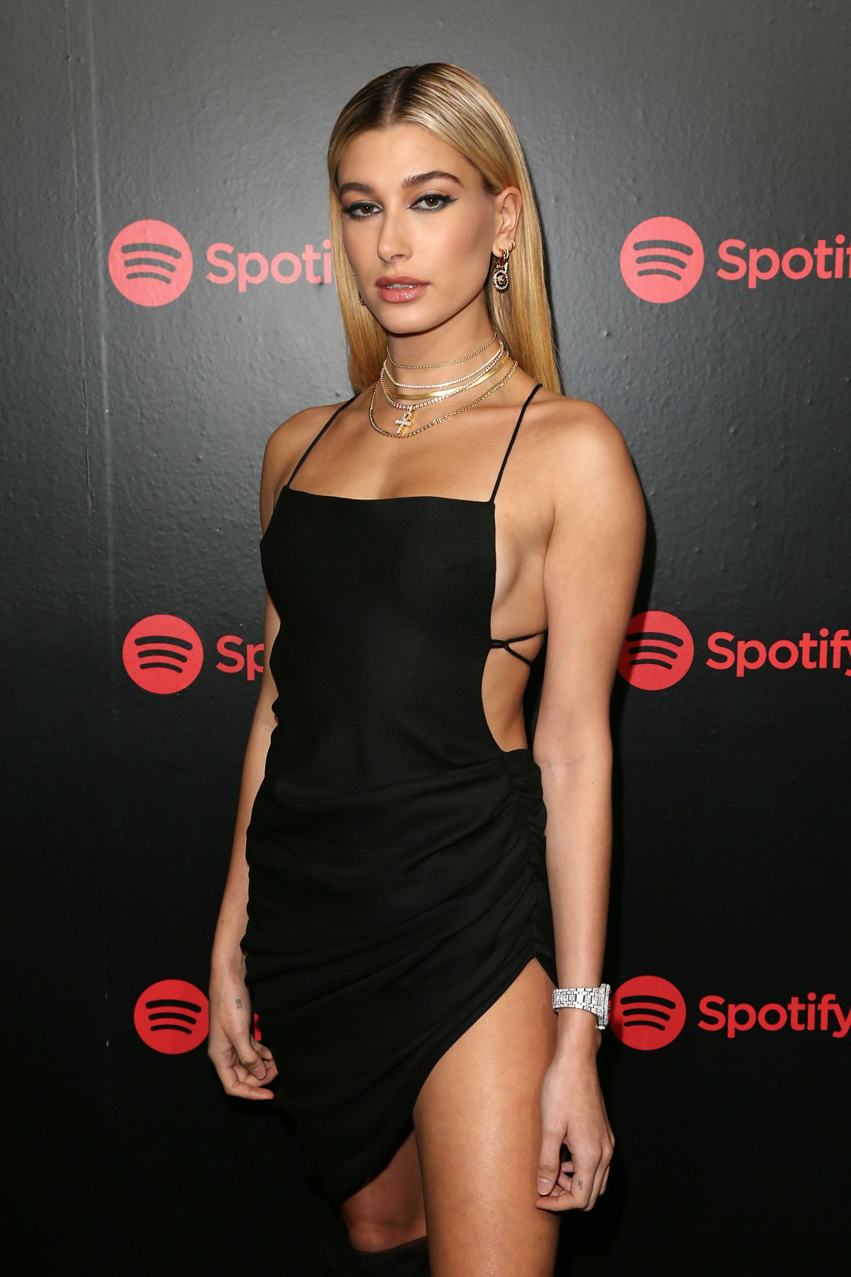 Best New Years Eve Manicure Ideas New Years Eve Nails: HAILEY BALDWIN At 2018 Spotify Best New Artists Party In