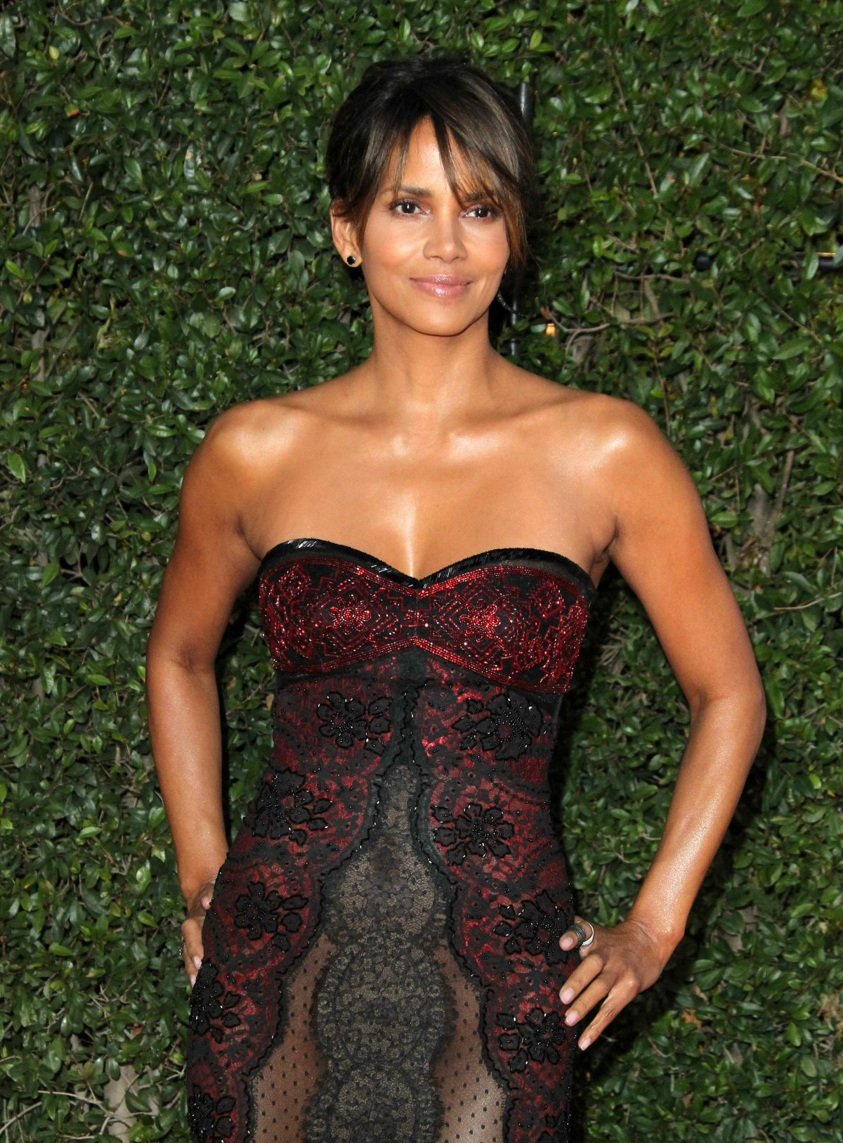 HALLE BERRY at 49th Naacp Image Awards in Pasadena 01/14 ... Halle Berry