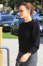 JENNIFER GARNER Heading to a Church in Pacific Palisades 01/21/2018