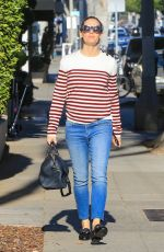 JENNIFER GARNER Out and About in Los Angeles 01/23/2018