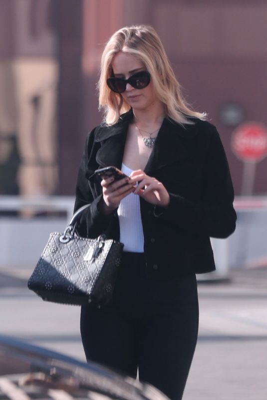 JENNIFER LAWRENCE Out and About in Westwood 01/12/2018