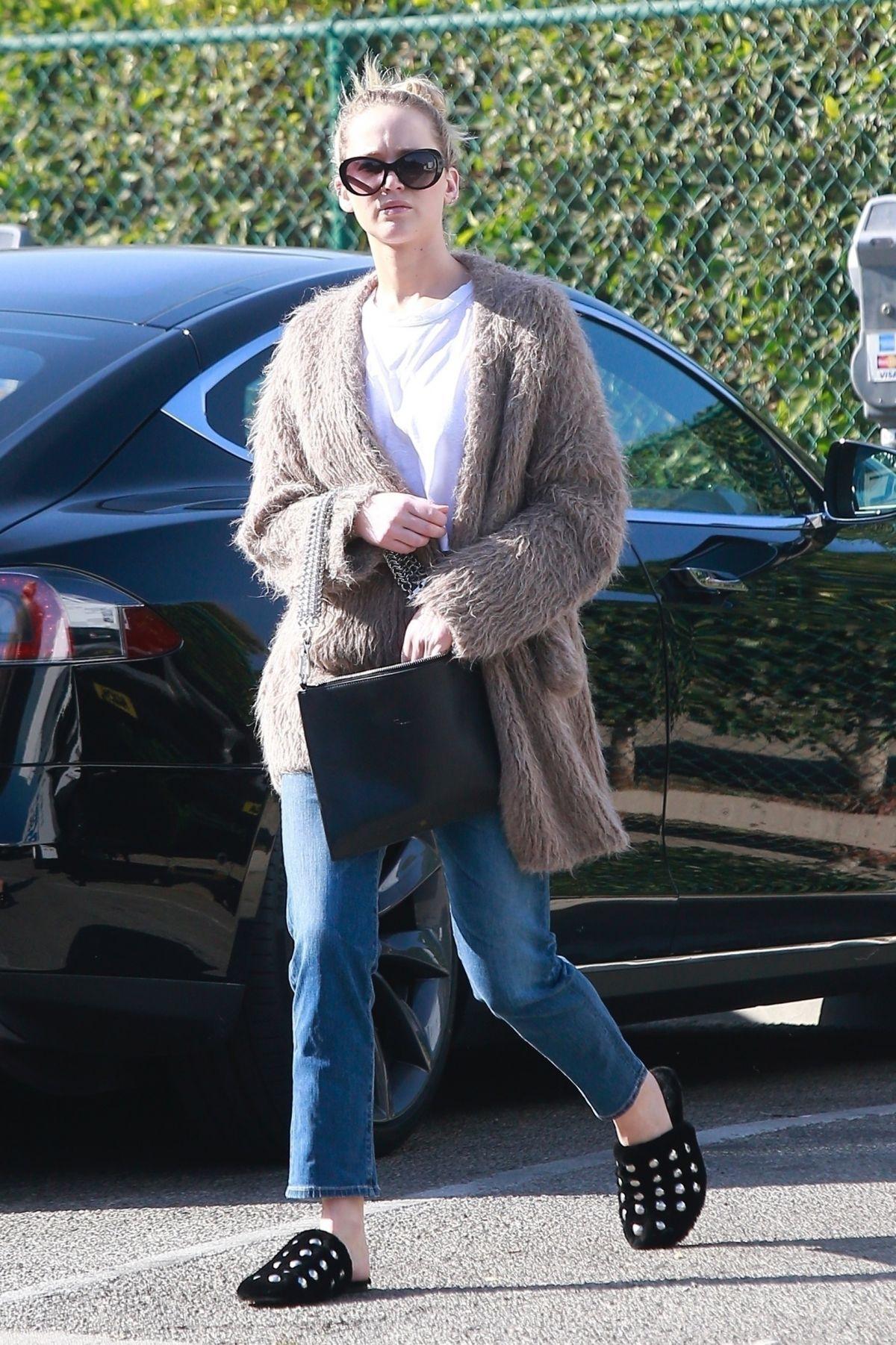 Selena Gomez amp Zac Efron Dating!  The Hollywood Gossip