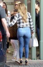 JENNIFER LOPEZ in Tight Jeans Out for Lunch in Miami 01/15/2018