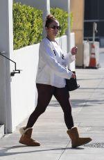 JENNIFER LOPEZ Leaves a Gym in Los Angeles 01/01/2018