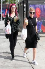 JODIE SWEETIN Shopping at Farmers Market in Studio City 01/07/2018