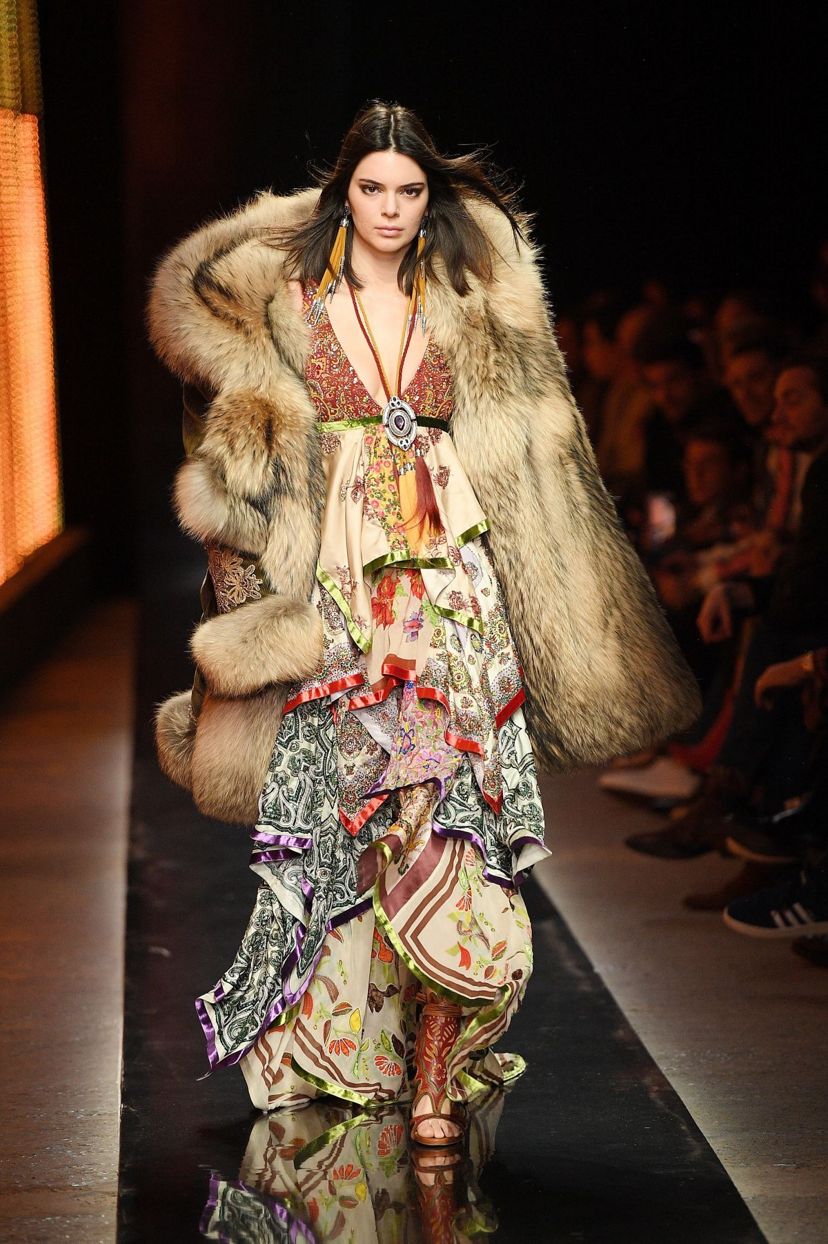Fashion Show Coloring Pages For Adults: KENDALL JENNER At Dsquared2 Fashion Show In Milan Men's