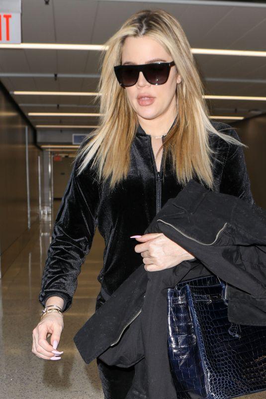 KHLOE KARDASHIAN Arrives at Los Angeles International Airport 01/28/2018